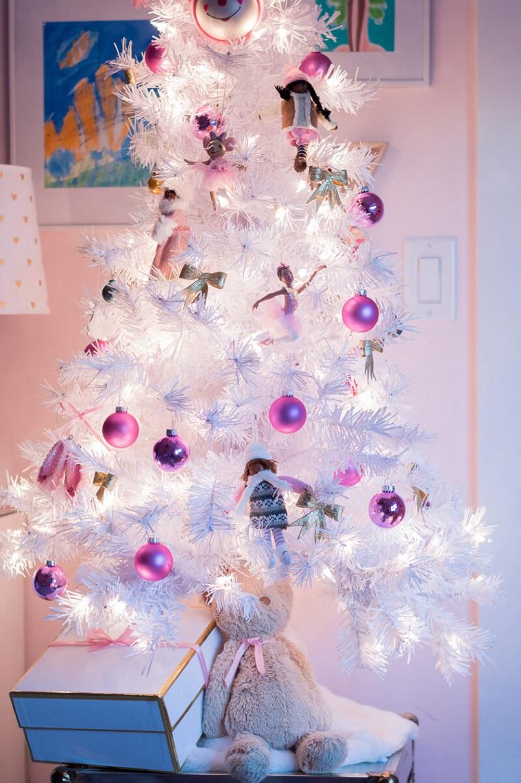arbre-de-noel-petites-boules-blanches-roses