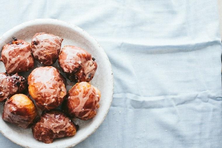 petits-déjeuners-copieux-noël-recettes-brioches