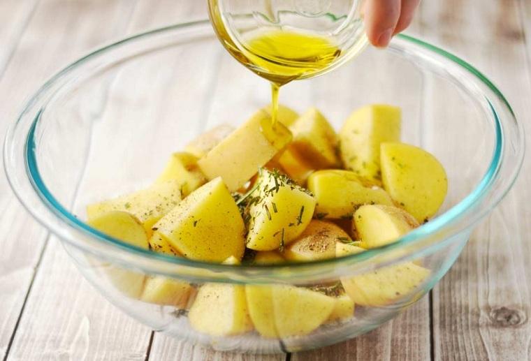 pommes de terre-al-horno-romarin-recette-idees-rapidas