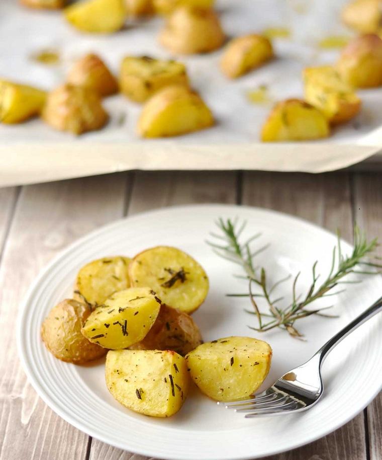pommes de terre-al-horno-romarin-recette-idees-riche-rapide