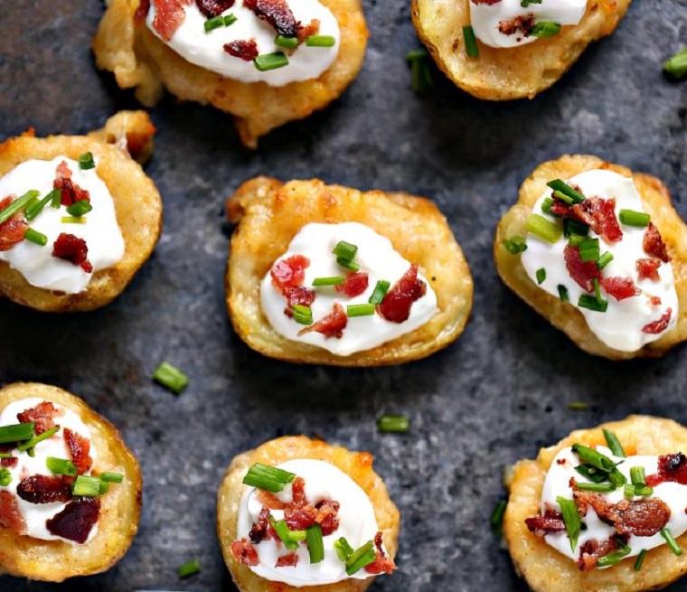pommes de terre-al-horno-bacon-queso-crema-receta-estilo