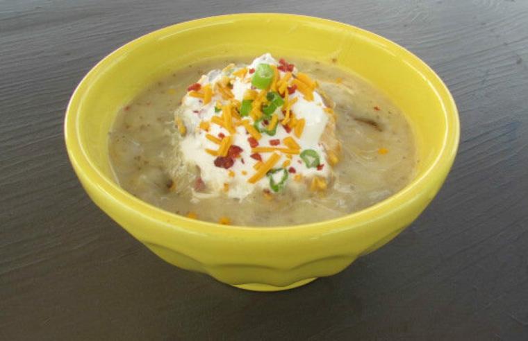 Soupe de pommes de terre au four chargée