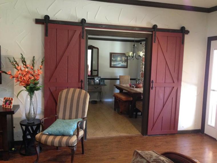 portes coulissantes en bois rouges