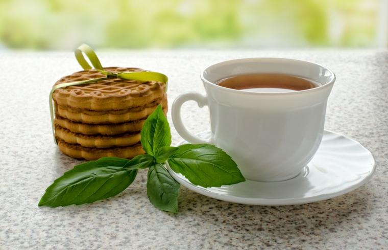 à quoi sert le thé au basilic?
