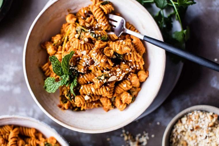 recette-lentilles-pâtes-tomates-séchées-délicieux-aliments