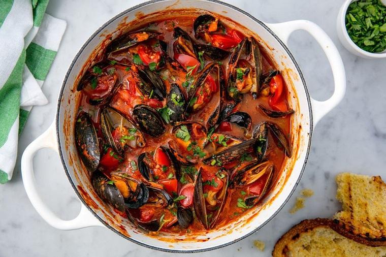 recettes de poisson-la-sauce-de-moules-dore-tomate