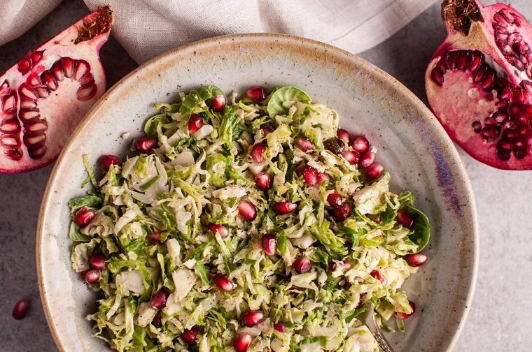 recettes-de-salade-de-noel-de-chou-bruxelles-grenades