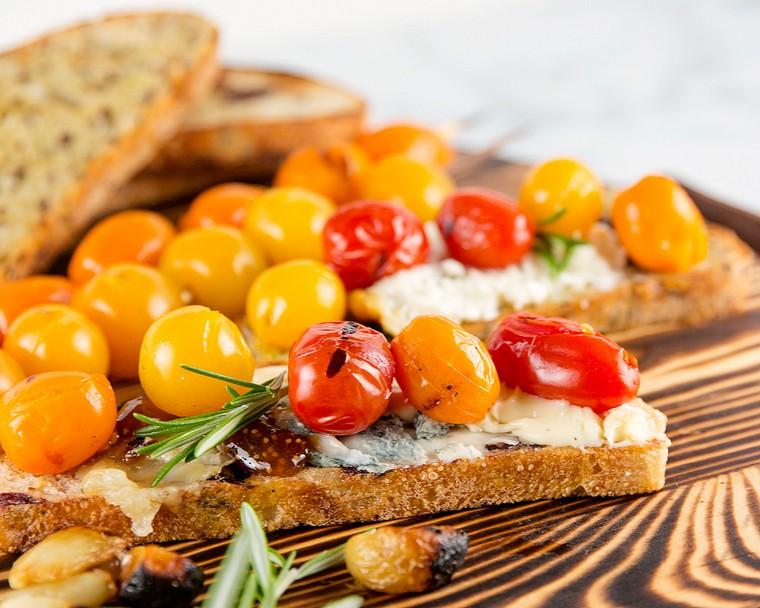 recettes pour le petit déjeuner tomates-fromages