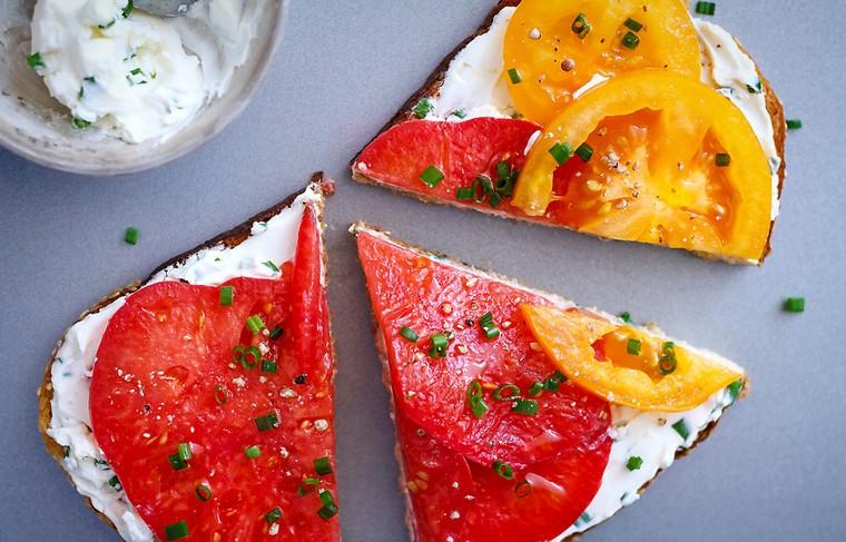 recettes pour le petit déjeuner tomates-fromage-feta