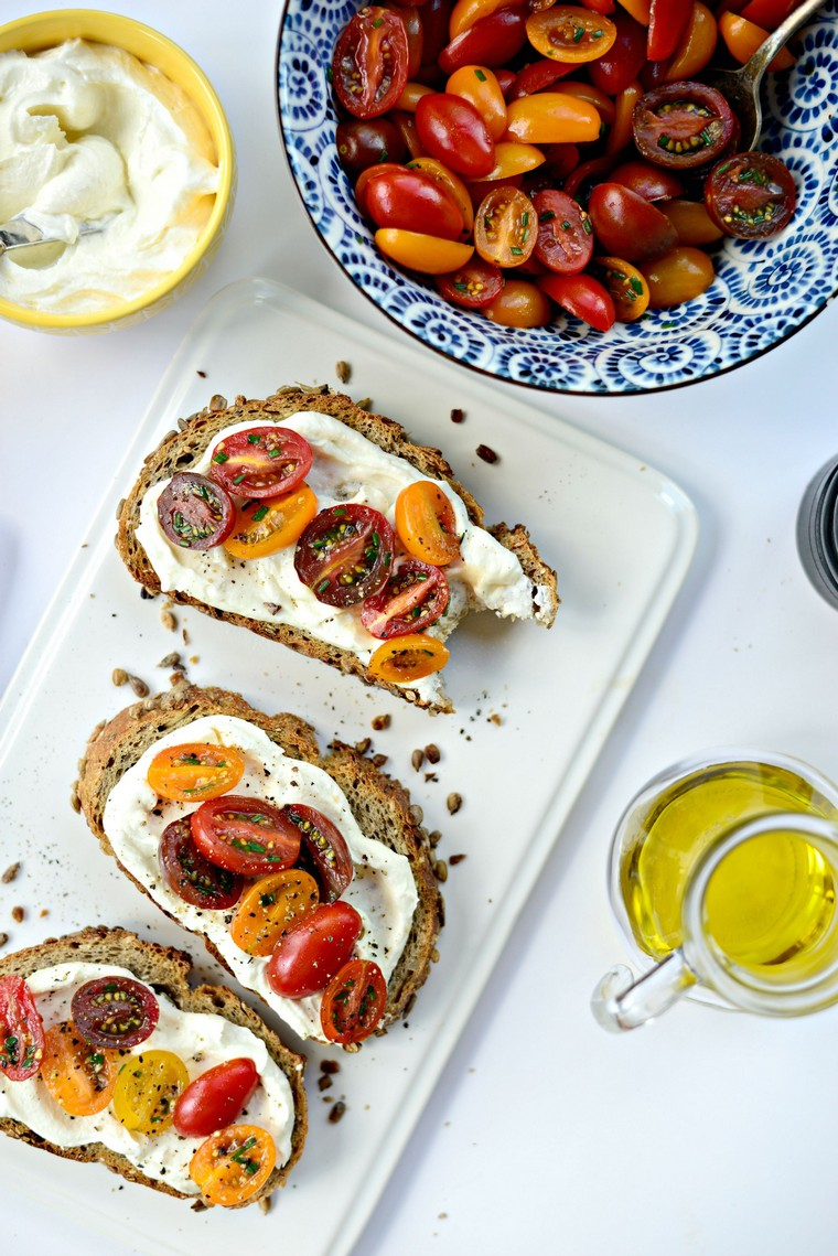 toasts-idées-feta-tomates