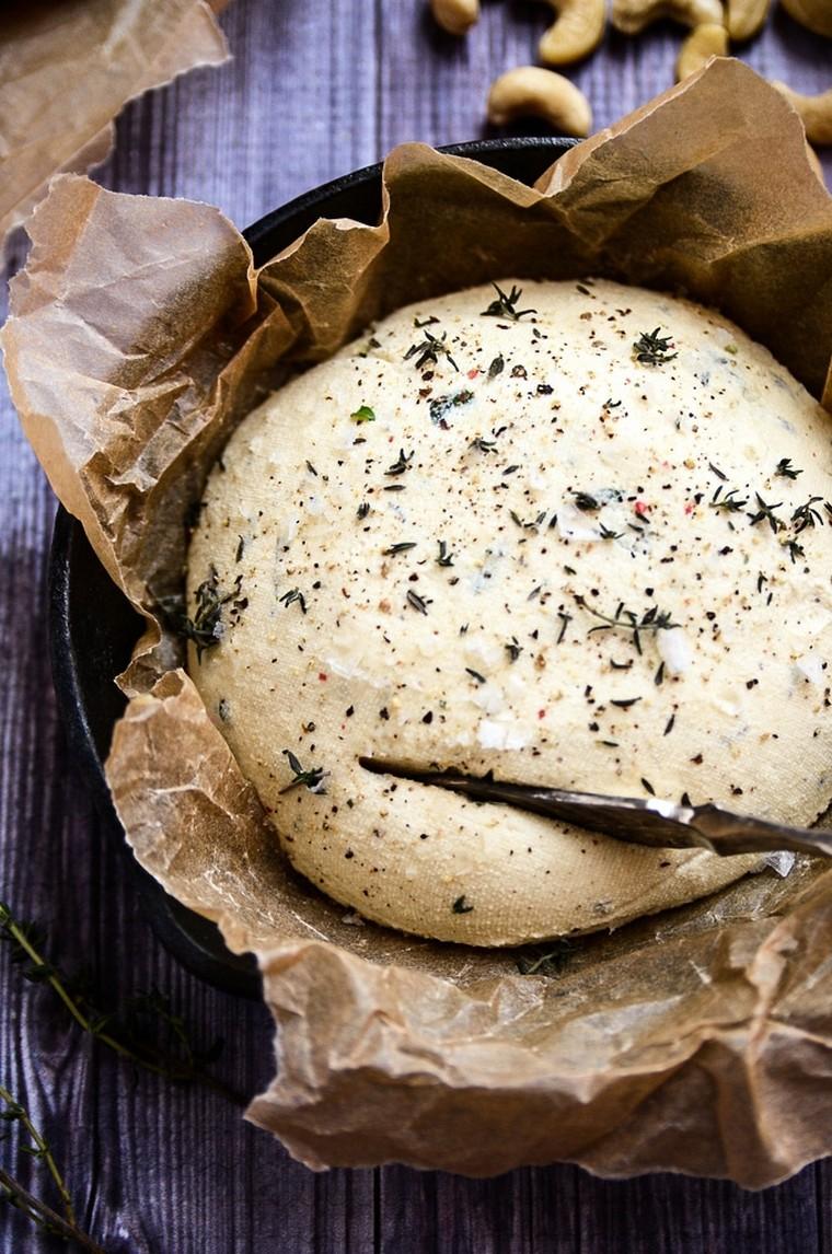 recettes-pour-le-petit-déjeuner-pain-toasté-fromage-végétalien-facile