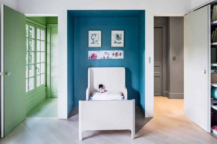 mobilier contrastant couleurs claires