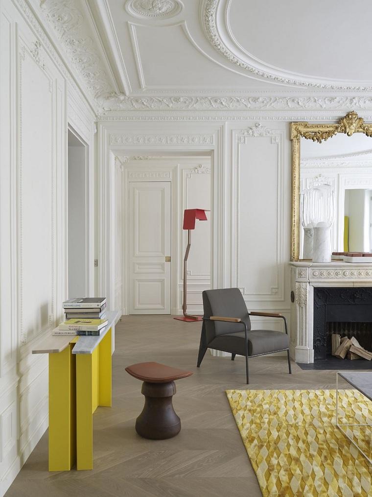 salle-large-décoration-style-plâtre