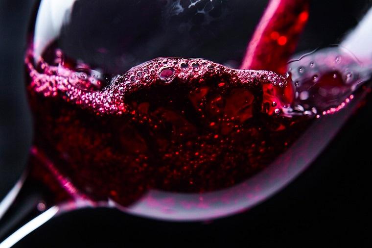 surprises-san-valentin-gout-vin-rouge