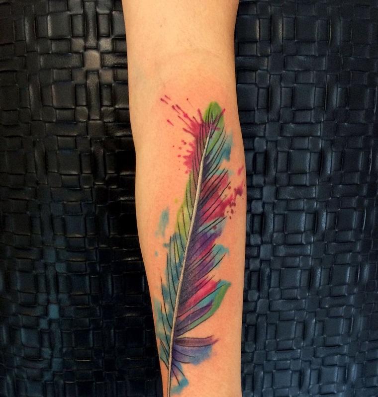 tatouage-de-pluma-colores-opciones