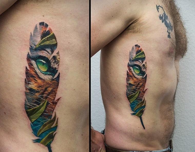 tatouage-de-pluma-estilo-colores