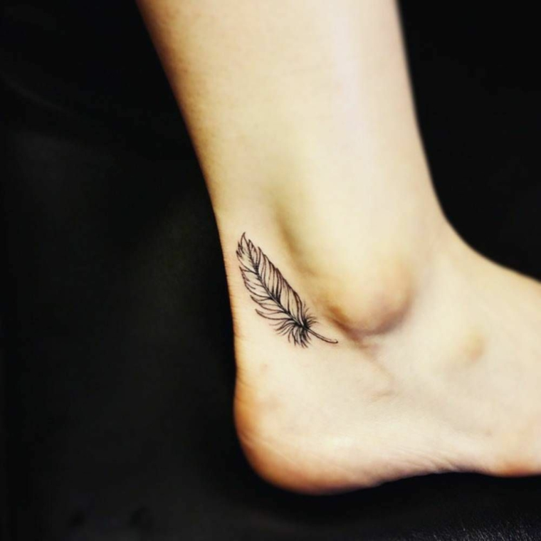 tatouage-petite-stylo-jambe-idées