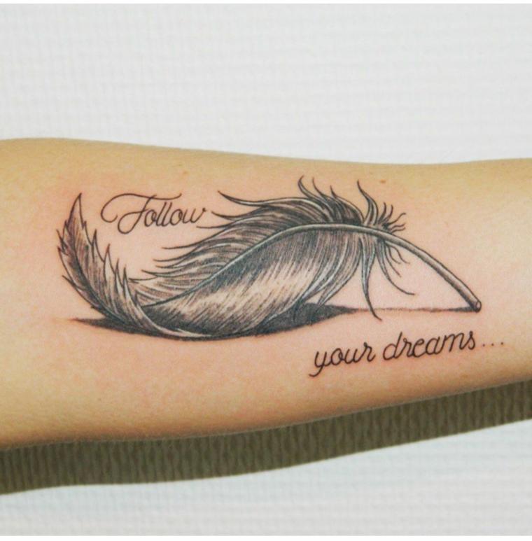 stylo-tatouage-dessins-attrayant-bras