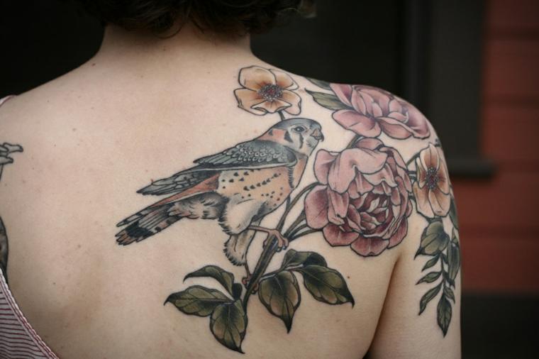 oiseau-fleurs-idees-tatouage-epaule