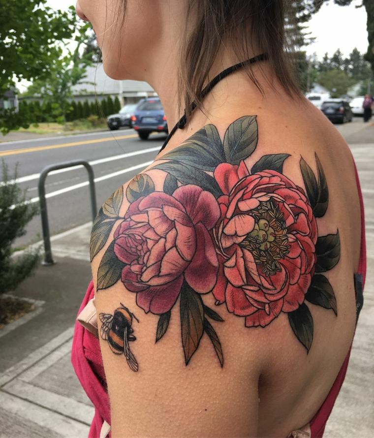 roses-pivoines-tatouage-épaule-original-options