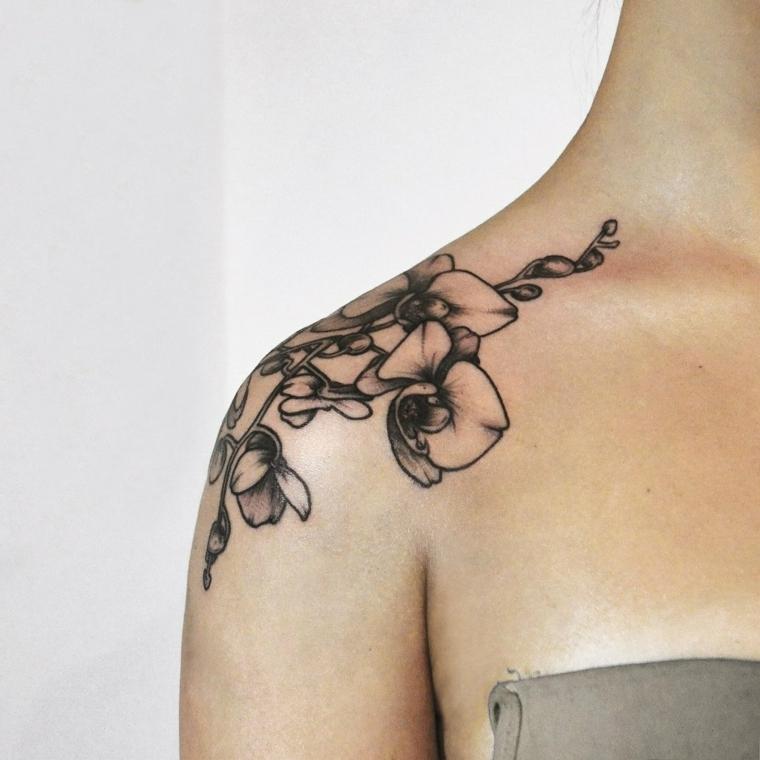 tatouage-homme-épaule-femme-orchidées