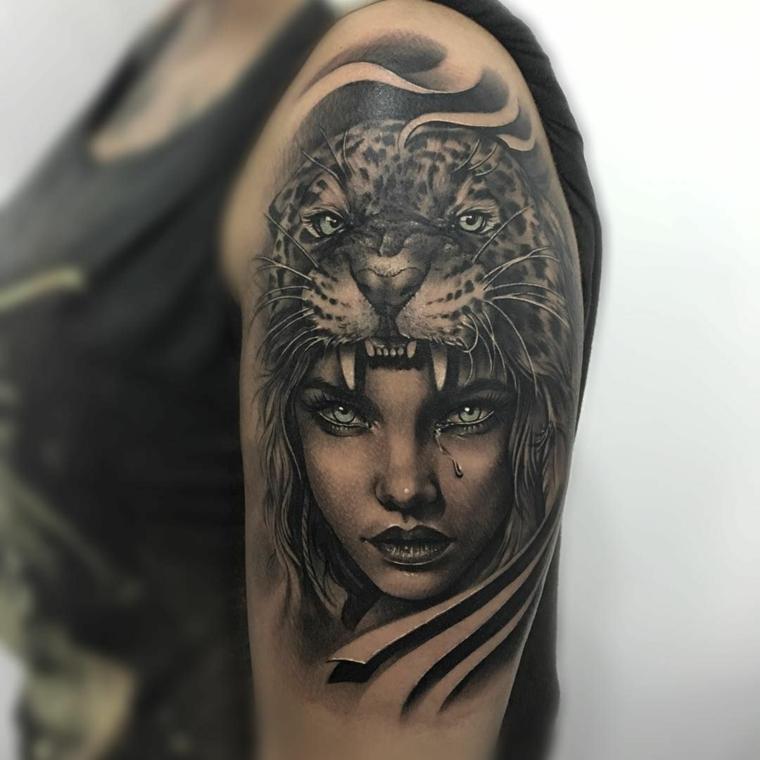 tatouage-homme-épaule-visage-femme