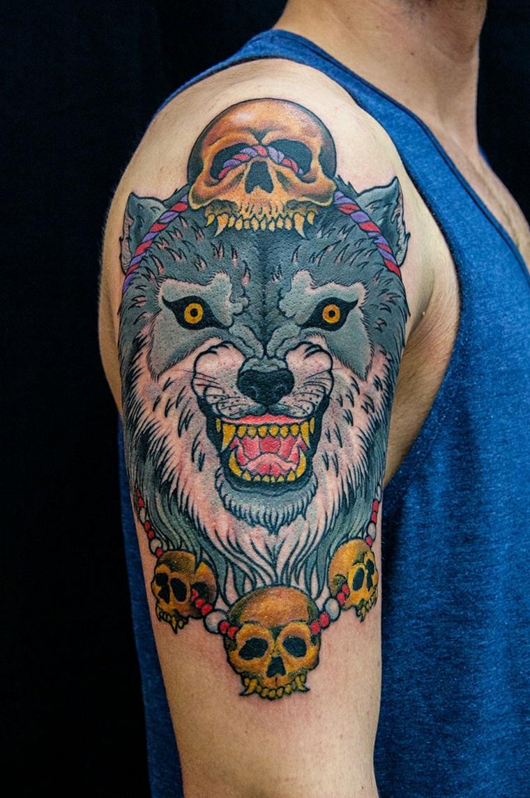 tatouage-épaule-loup-crânes-options
