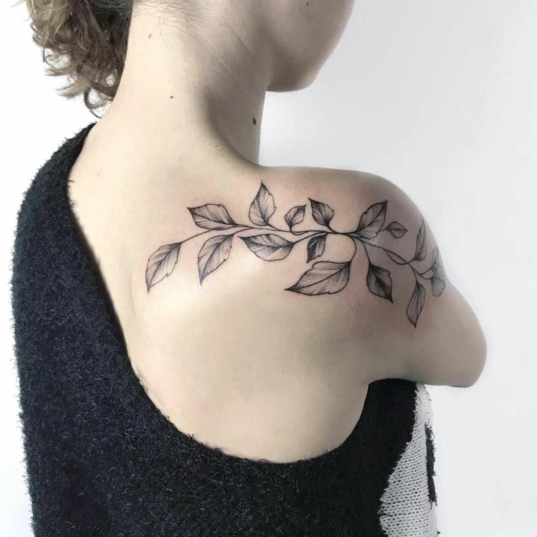 tatouages-épaule-femme-branche-feuilles