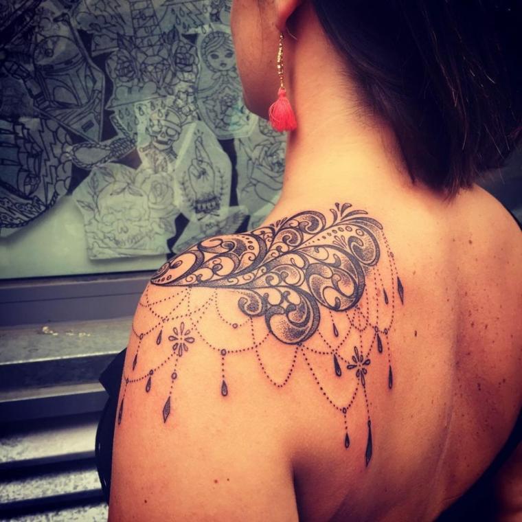 tatouages-pour-lepaule-idees-belle-tatouages-femme