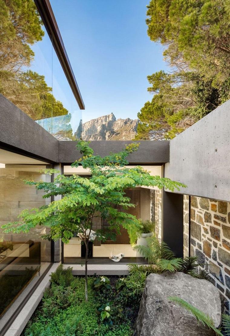 patio-intérieur-naturel-vert