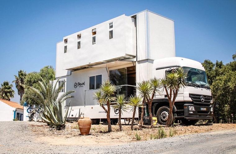 camion transformé en hôtel-roues-attractif