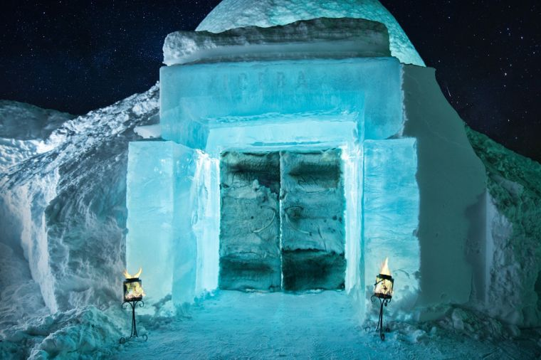 hotel-sweden-jukkasjarvi-icehotel-bar-ice