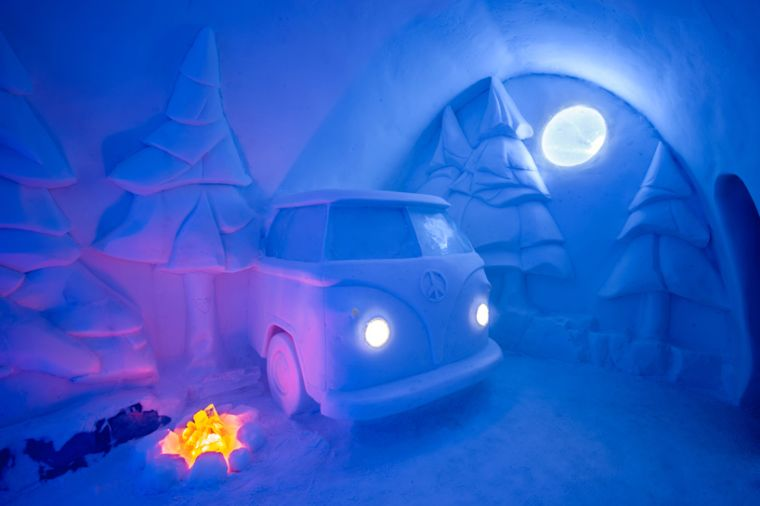 sculptures-voiture-glace-arbres-idees-hotel