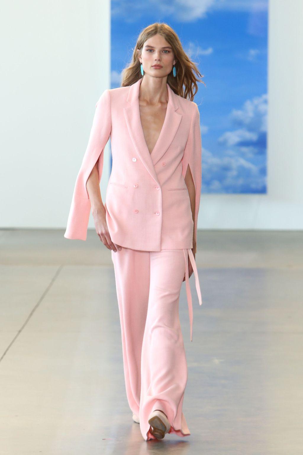 vêtements-de-mode-2018-costume-couleur-rose