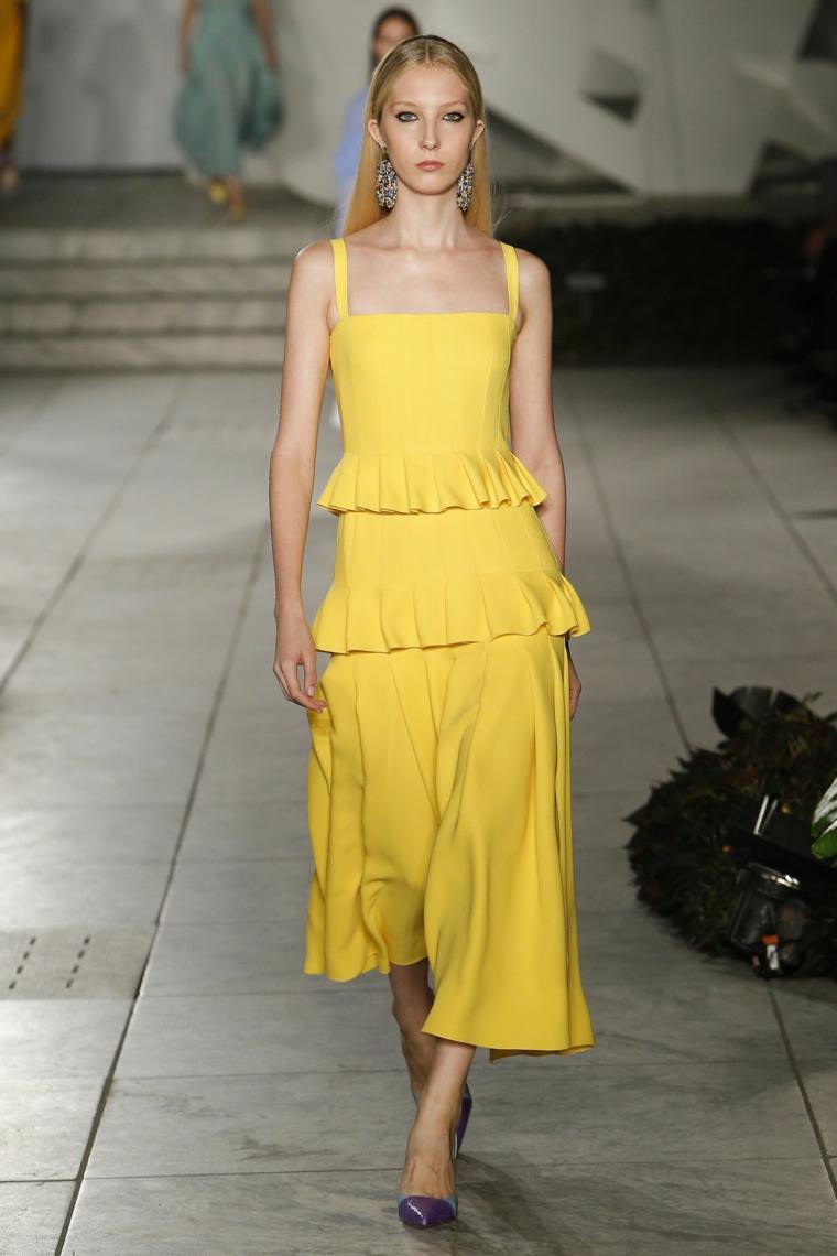 carolina-herrera-vestido-primavera-2018-couleur-amarillo