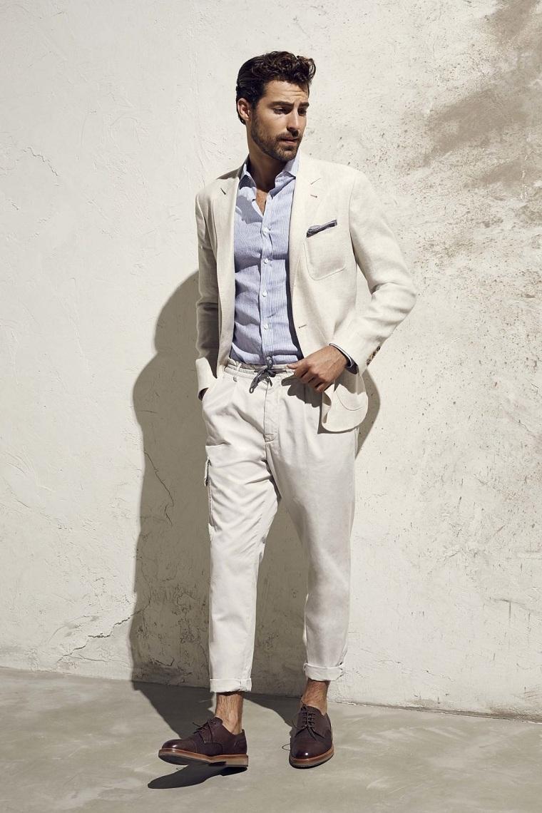 costume-couleur-clair-design-moderne